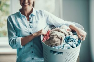 benefits of hiring a laundry service